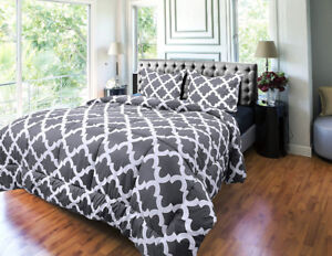 Comforter Queen Set with 2 Pillow Shams - Luxurious Soft