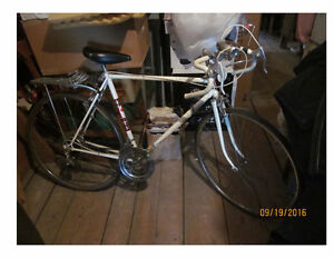 "Men's Road Bike - Vintage, 27"" tires"
