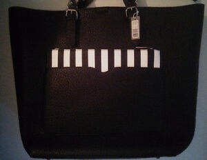 """BNWT Black Large 2 in 1 Tote bag 17"""" x 13 inches & smaller purse West Island Greater Montréal image 2"""