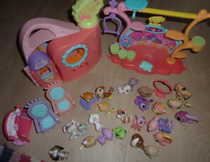 Littlest PetShop pets and some buidlings