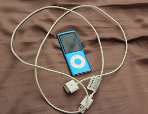 Blue Apple iPod nano (4th Gen) 8 GB