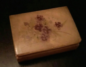 **Vintage Alabaster Trinket Box**