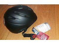 Ski & Snowboard helmet in Matt black - Brand New - Size L/58-60cm