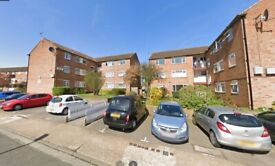 2 Bed 1st floor flat to rent in Northolt-THE FARMLANDS