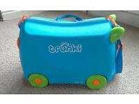Child's Trunki case.