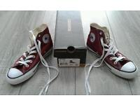 Woman's size 4 converse all star hi top in marron