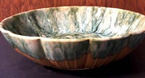 VINTAGE USA #802 ART POTTERY CENTERPIECE BOWL GREEN AND BLACK DRIP OUTSIDE SAME