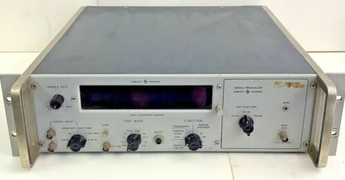 Hewlett Packard HP 5245L Electronic Counter W/ 5252A Prescaler