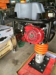 HONDA JUMPING JACK TAMPING RAMMER + 1 YEAR WARRANTY WARRANTY + FREE SHIPPING ONTARIO WIDE !!!!!!!!!!!!!!