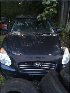 Hyundai Accent Sedan - to fix up or parts car