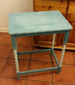Blue console table with Candy twist legs
