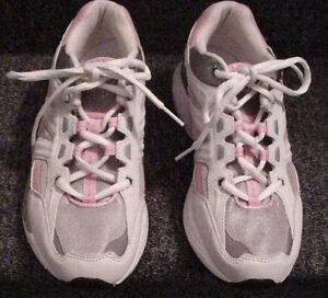 Ladies Running Shoes/Runners