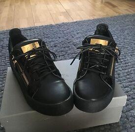 Giuseppe Zanotti black and Gold Sneakers