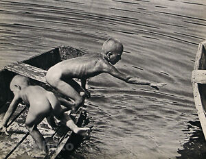 1935-Vintage-Print-NUDE-BOYS-SKINNY-DIPPING-Hungary-Photo-Gravure-GUSTAVE-SEIDEN