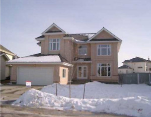 5 bedroom Executive house in KINGSWOOD (Pet friendly)