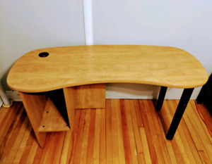 Amazing Desk - Perfect for Students