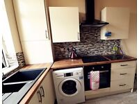 *ATTENTION PROFESSIONALS & MATURE STUDENTS* DOUBLE ROOMS TO LET IN KIRKSTALL, HYDE PARK, HEADINGLEY