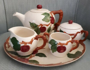 Lovely made in US tea set pot cream sugar tray