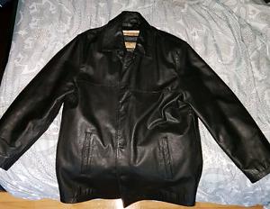 Manteau de cuir pour sorties