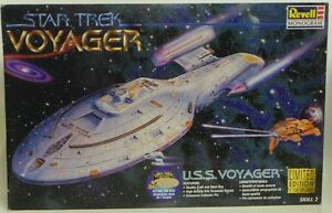 STAR-TREK-VOYAGER-U-S-S-VOYAGER-NCC-74656-1997-REVELL-MODEL-KIT-DJ