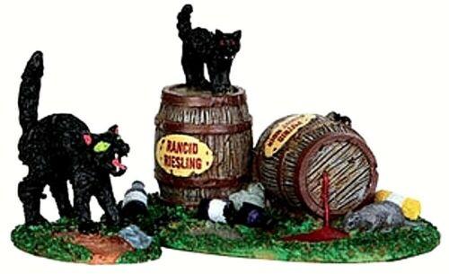 Lemax 34611 WINE BARRELS Spooky Town Accessories Halloween Decor Black Cats I