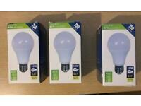 3x LED Lamps E27 warm white 10W