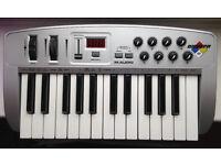 M-Audio Oxygen 8 (Version 1) - 25 key USB midi controller keyboard