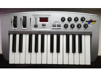 M-Audio Oxygen 8 (Version 1) - 25 key USB midi controller keyboard