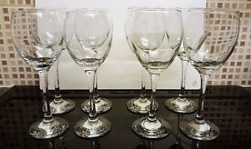 4 x Small & 4 x Large Wine Glasses - Excellent condition/Kept in storage so were rarely if ever used
