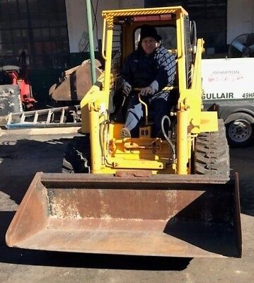 Skid Steer Loader Hydra Mac 1700 With Smooth Bucket - Used - Sold As Is