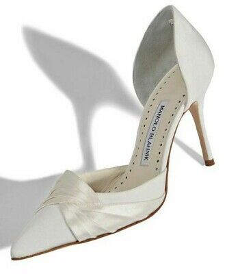 NEW Manolo Blahnik CAUSEDO Dorsay Pumps IVORY Crepe Satin Heels WEDDING Shoes 39 White Dorsay Pumps