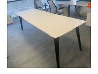 Frovi Table
