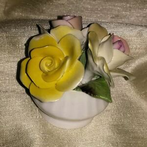 Estate Sale - assorted pieces of bone china. See listing below. Regina Regina Area image 6