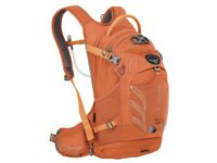 NEW- Osprey Raven 14L womens hydration backpack. For cycling, hiking, travel. RRP- £130