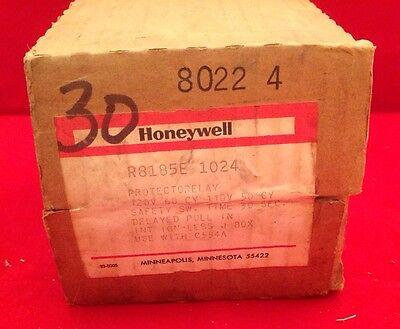 Honeywell Protectorelay Oil Burner Control R8185e 1024 - 12060 11050 30 Sec