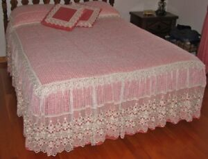 ensemble COUVRE LIT -RIDEAUX/TRINGLE ... BED COVER -CURTAINS/ROD