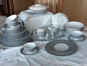 **Dishes - Easterling Bavaria China Dishes 'Majestic' pattern**