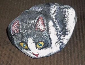 Cat rock - hand painted weighs 8 lbs.  beutiful, reduced $25.
