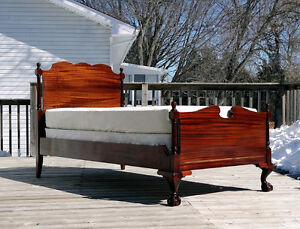 Chippendale Bed Frame (Single)