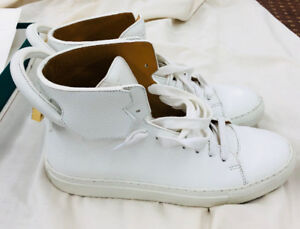 BUSCEMI White 125mm US Size 9