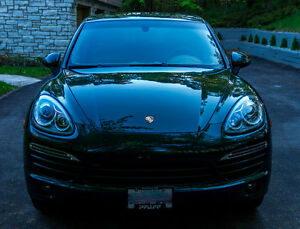 2011 Porsche Cayenne SUV - Dealer Serviced, Mint Condition