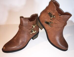 Woman's Boot, Perry Ankle High, Round Toe, Brown, Size 10