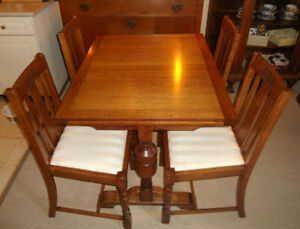 Antique Arts & Crafts  Oak Table & Chairs