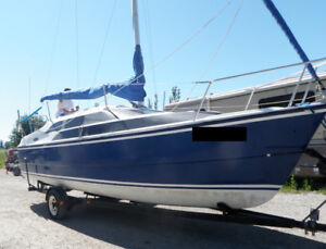 2004 MacGregor 26M Blue with Honda 50 Outboard and Dinghy