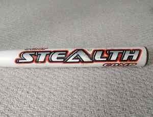 Easton Stealth SCN9 26oz Softball Bat