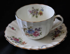 ROYAL WORCESTER TEA CUP & SAUCER - ROANOKE