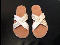 Uggs Kari sandals size UK 5.5 EU 38 (brand new, never worn)