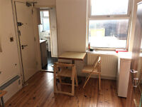 First floor studio flat, separate kitchen, Housing Benefit accepted, available now, Turnpike Lane