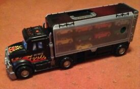 KIDS LORRY WITH 14 SMALL CARS AND PLAY MAT