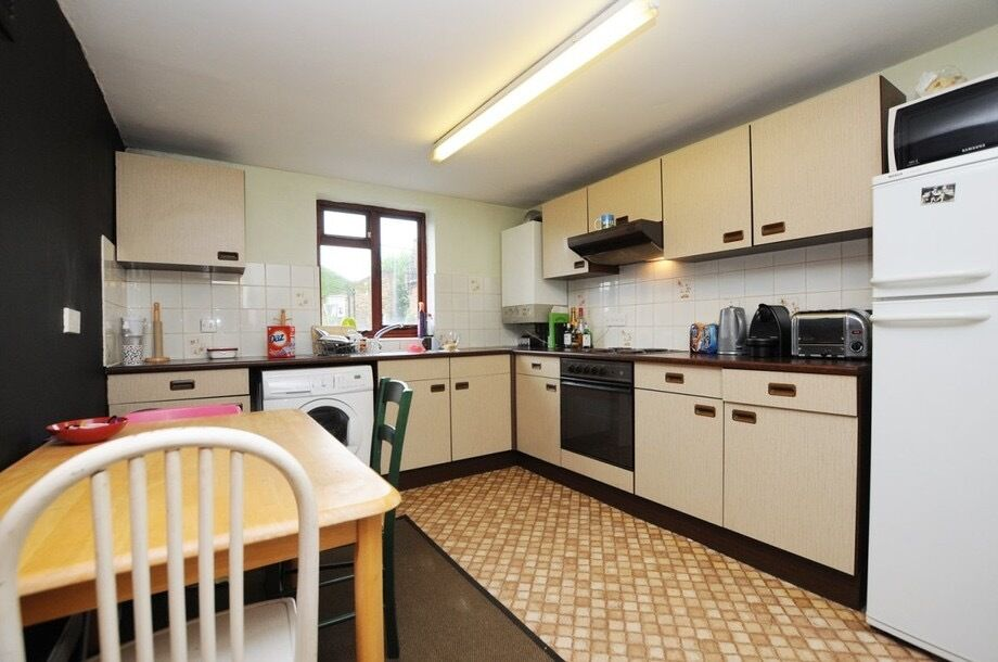 Two bed flat in Hoxton